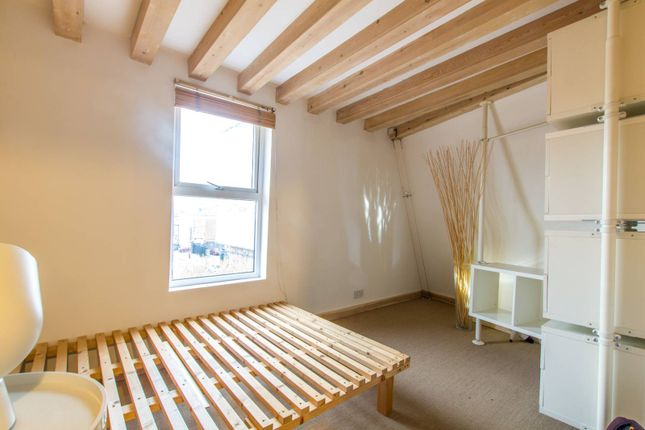 Thumbnail Flat for sale in Tower Terrace, Wood Green