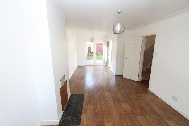 Thumbnail Property to rent in Foxgrove, Milton Regis, Sittingbourne