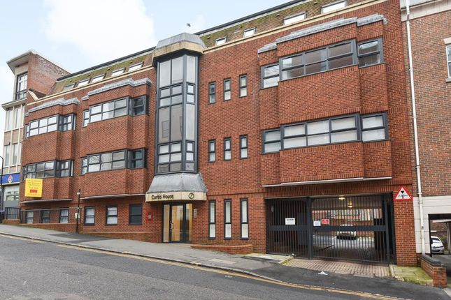 Thumbnail Flat to rent in High Wycombe, Buckinghamshire