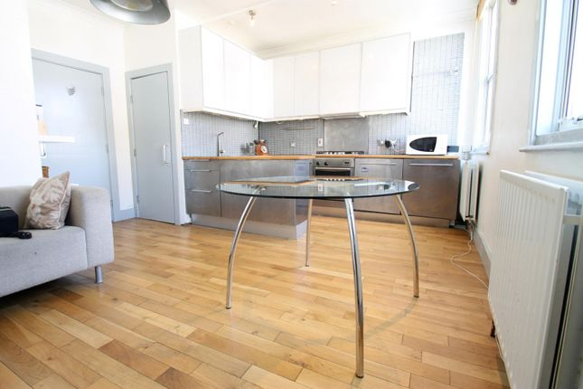 Thumbnail Flat to rent in Maude Road, London