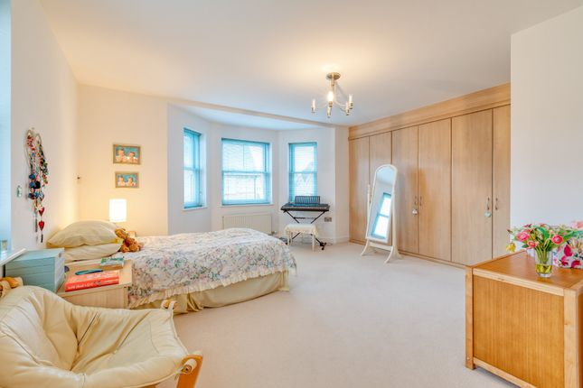Master Bedroom of Shaftesbury Drive, Fairfield, Hitchin SG5