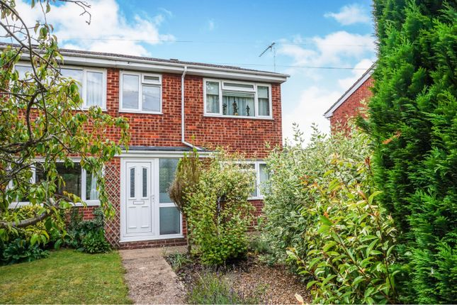 3 bed end terrace house for sale in Headlands, Fenstanton, Huntingdon PE28