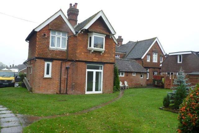 2 bed flat to rent in Horam, Heathfield TN21