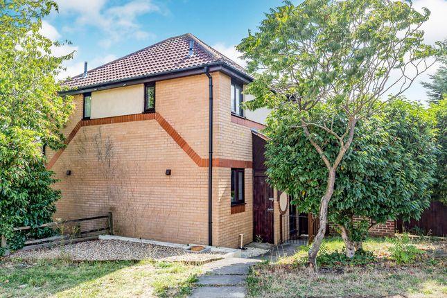 Thumbnail Semi-detached house to rent in Trentishoe Crescent, Furzton