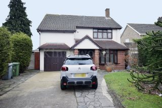Thumbnail Detached house for sale in Sparrows Herne, Kingswood