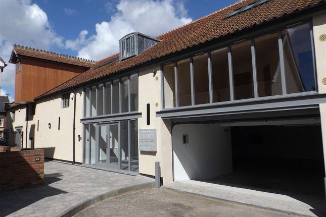 3 bed flat for sale in High Street, Needham Market, Ipswich