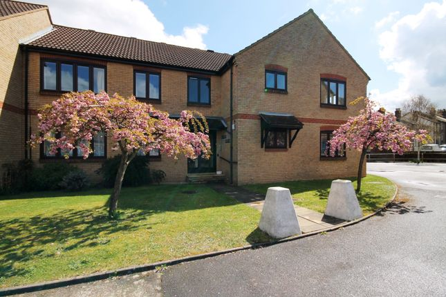 Thumbnail 1 bed flat to rent in Heron Court, Willowmead, Dorking