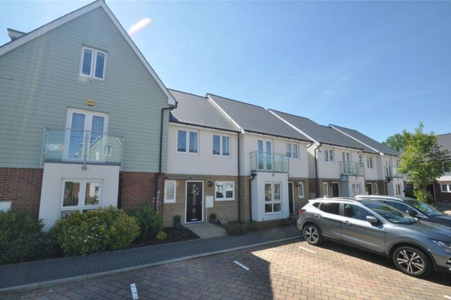 Thumbnail Terraced house for sale in Appletree Way, Welwyn Garden City, Hertfordshire