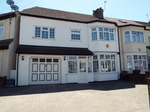 Thumbnail Semi-detached house for sale in Gantshill, Essex