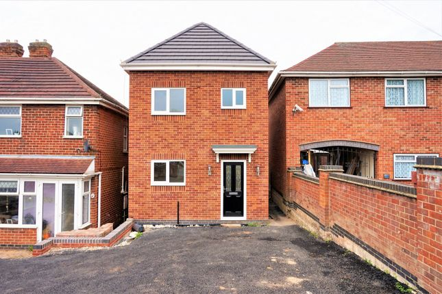 Thumbnail Detached house for sale in Darklands Road, Swadlincote