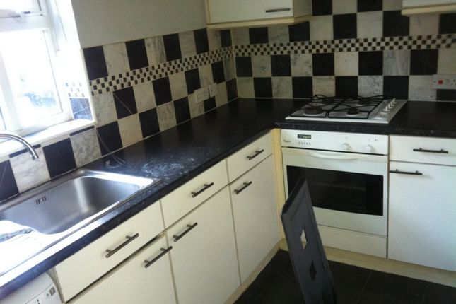 Thumbnail Flat to rent in Lupin Crescent, Ilford
