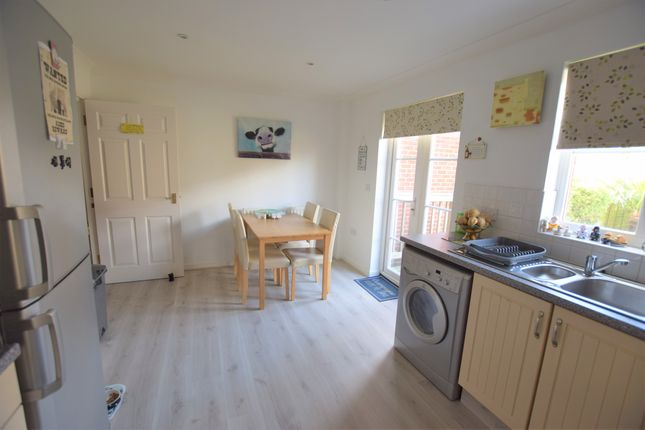 Kitchen/Kitchen of Admiralty Way, Eastbourne BN23