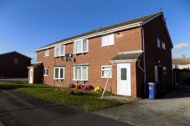 Thumbnail Flat to rent in Kingsway Close, New Rossington, Doncaster