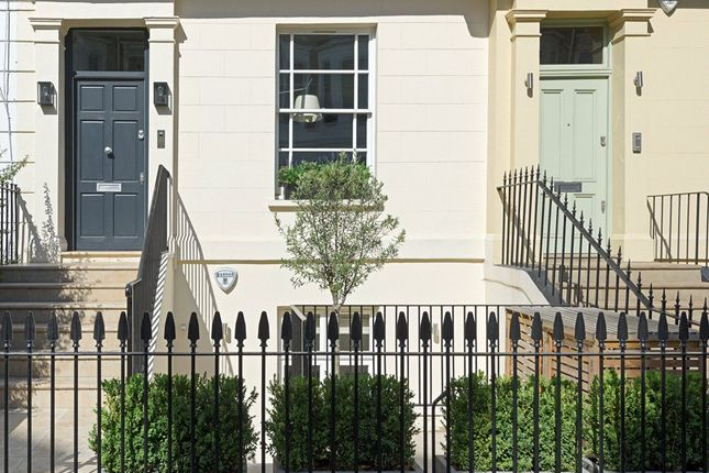 Thumbnail 4 bedroom terraced house for sale in Campden Grove, Kensington