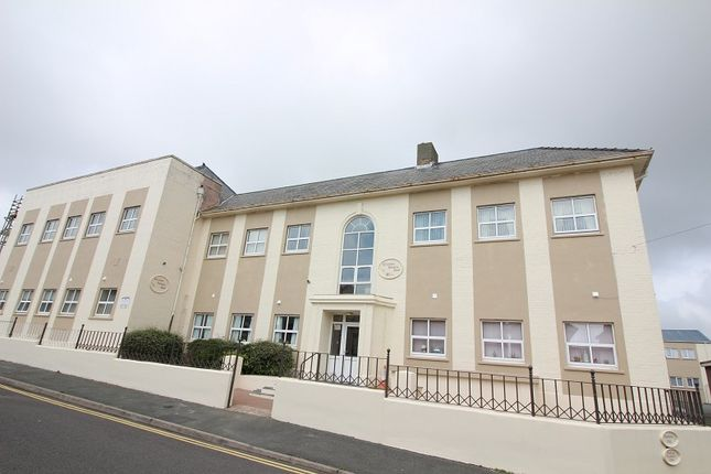 Thumbnail Flat to rent in 14 Elizabeth Venmore Court, Yorke St, Milford Haven