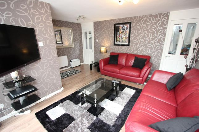 Thumbnail Flat to rent in St. Katharines Way, Wapping, London