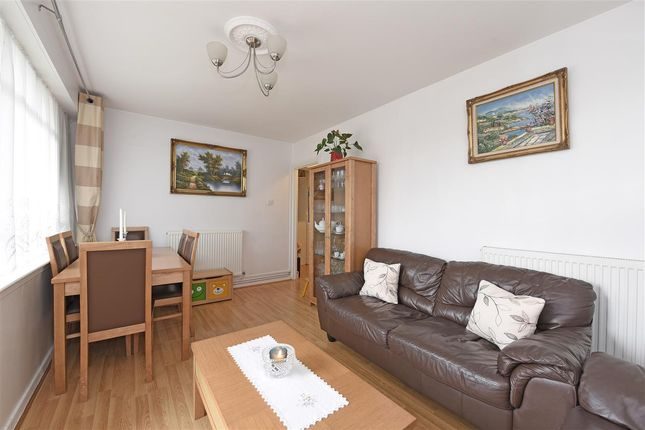 2 bed flat for sale in Sullivan Court, Parsons Green, Fulham