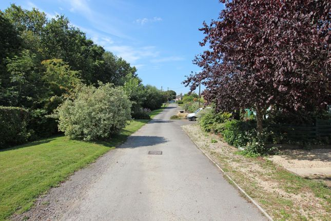 Picture No. 15 of Mayfield Road, Farmoor, Oxford, Oxfordshire OX2