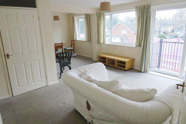 Thumbnail Flat to rent in Chaulden House Gardens, Hemel Hempstead