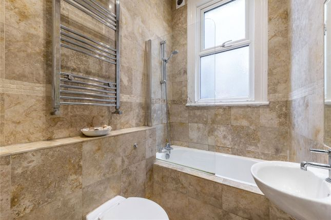Bathroom of Cavendish Road, Kilburn, London NW6