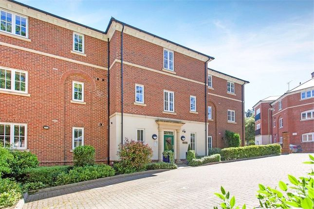 Thumbnail Flat to rent in Braemore Court, Marnhull Rise, Winchester, Hampshire