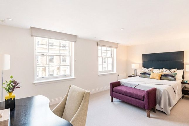 Flat to rent in Davies Street, Mayfair, London