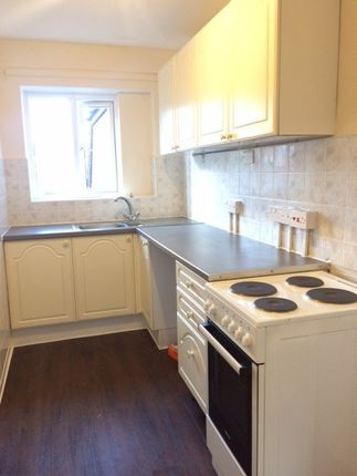 Thumbnail Flat to rent in Belle Isle Road, West Yorkshire