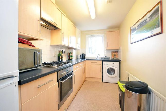 2 bed flat to rent in Issa Road, Hounslow