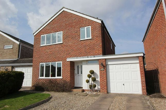 Thumbnail Detached house for sale in Hillside Road, Stratford-Upon-Avon, Warwickshire CV37 9Eb