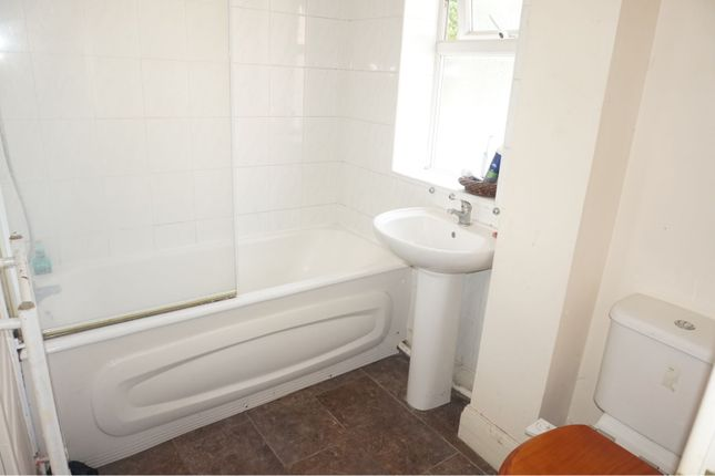 Bathroom of 204 Emscote Road, Warwick CV34