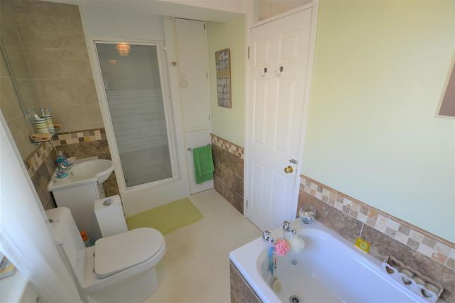 Family Bathroom of Bartletts Well Road, Sageston, Tenby SA70