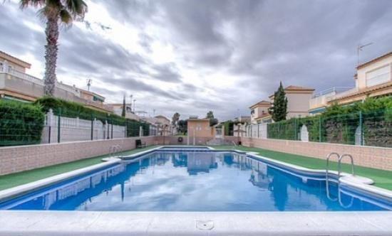 2 bed bungalow for sale in Gated Complex, Los Altos, Costa Blanca, Valencia, Spain