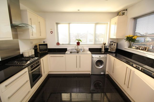Thumbnail Bungalow for sale in Overton Close, Navenby, Lincoln