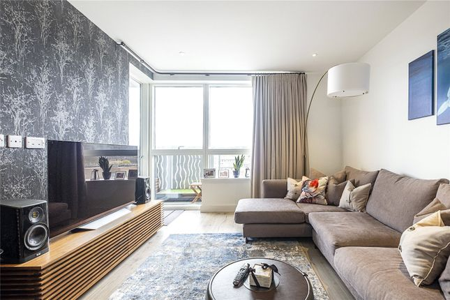 2 bed flat for sale in Basset Court, High Street, London N8