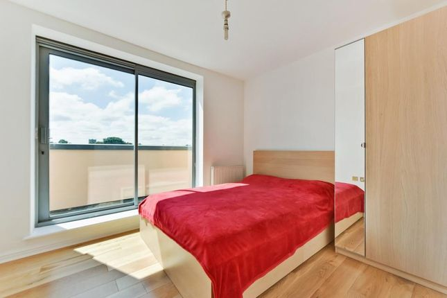 Thumbnail Flat to rent in Curness Street, London