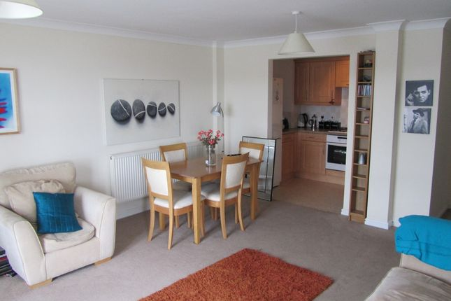 Thumbnail Flat for sale in Glan Y Mor, Barry