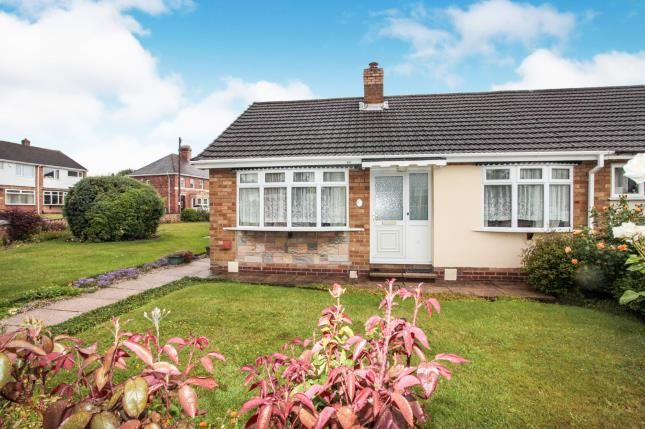 Thumbnail Bungalow for sale in Grayston Avenue, Tamworth, Staffordshire, West Midlands