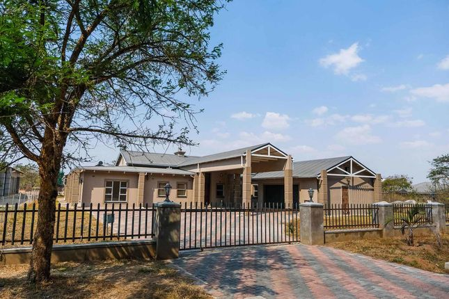 Thumbnail Detached house for sale in 2266 Arlington Way, Arlington, Harare South, Harare, Zimbabwe