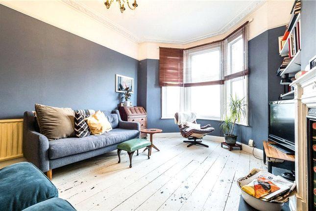 Thumbnail Maisonette to rent in Oliver Grove, London