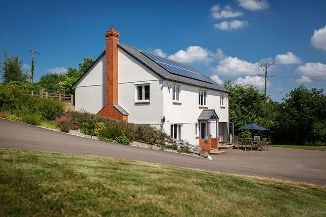 4 bed detached house for sale in Poughill, Crediton