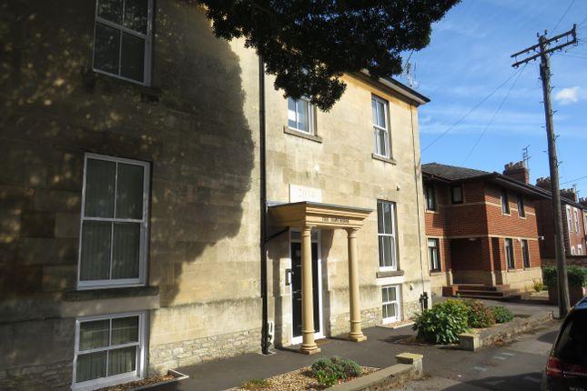 Thumbnail Flat to rent in Hawthorn Road, Chippenham