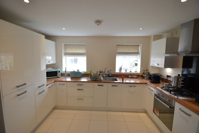 Kitchen of Kestrel Grove, Hucknall, Nottingham NG15