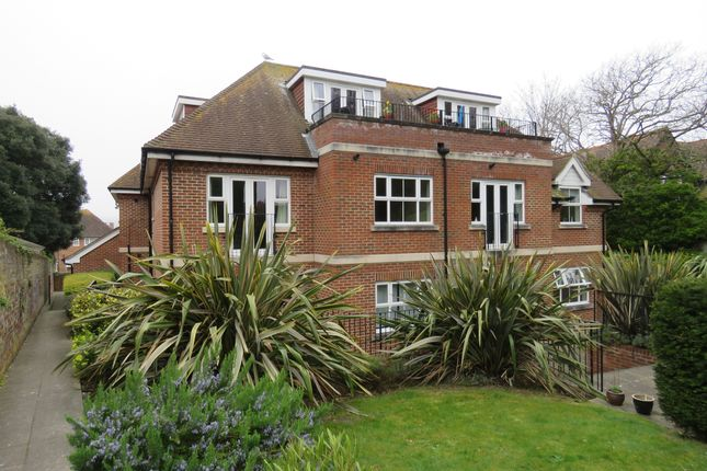 Thumbnail Flat to rent in Summerhill, Ratton Road, Eastbourne