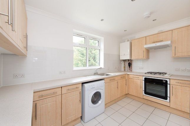 Thumbnail Maisonette to rent in Whitworth Rd, London