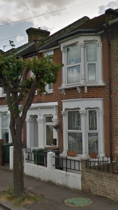 Thumbnail Shared accommodation to rent in Oakdale Road, London
