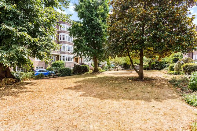 Picture No. 52 of Exeter House, Putney Heath, London SW15