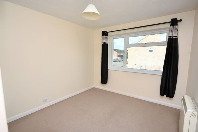 Bedroom of Slattenham Close, Hartwell, Aylesbury HP19