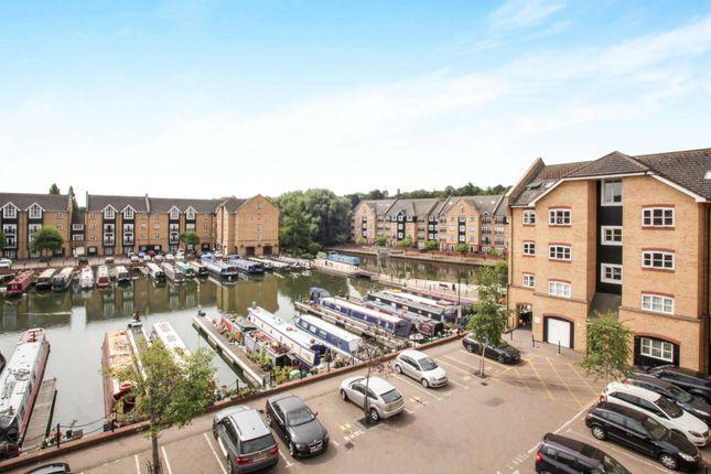 Thumbnail Flat to rent in Evans Wharf, Apsley Lock, Hemel Hempstead