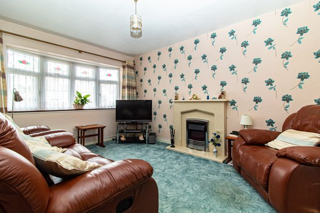 Lounge of Gravel Road, Leigh-On-Sea SS9