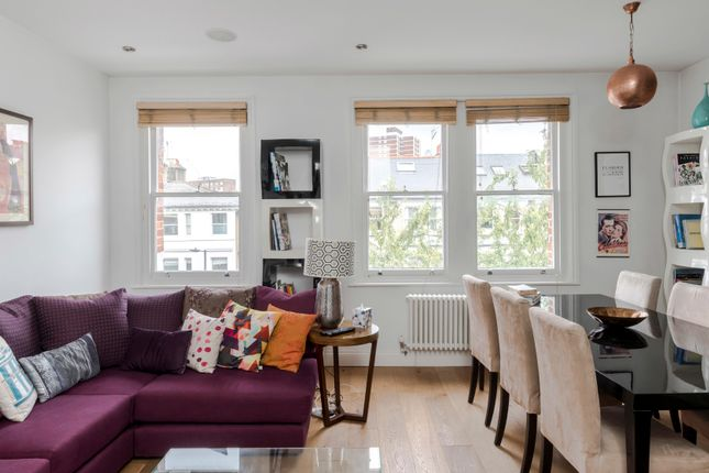 Triplex to rent in Netherwood Road, London